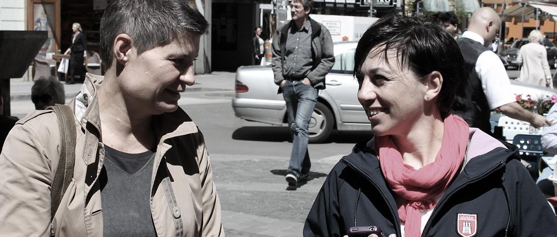 Alexandra Denk (Grafikdesignerin, Wien) und Bettina Graser (veni vidi confici | Atelier für visuelle Kommunikation, Wien).