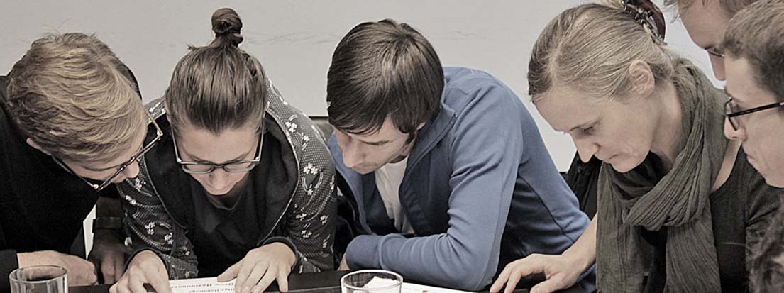 Mitarbeiter von Egger & Lerch, Corporate Publishing, und der Tageszeitung Der Standard bei einem Inhouseseminar mit Wolfgang Beinert am 20. November 2013 in Wien.