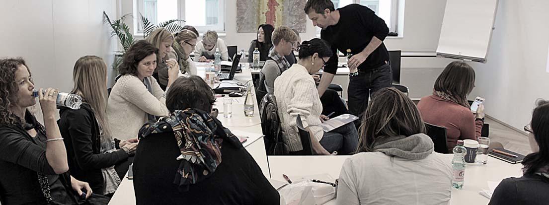 Gertraud Wieser, Salzburger Nachrichten Verlagsgesellschaft m.b.H. & Co. KG, Salzburg, Magret Friehsinger, aka buna design consult, Salzburg, Monika Layr, AART- Neumüller & Layr OG, Wien, und Katharina Strobl, GRAFIK.raum, Gießhübl.