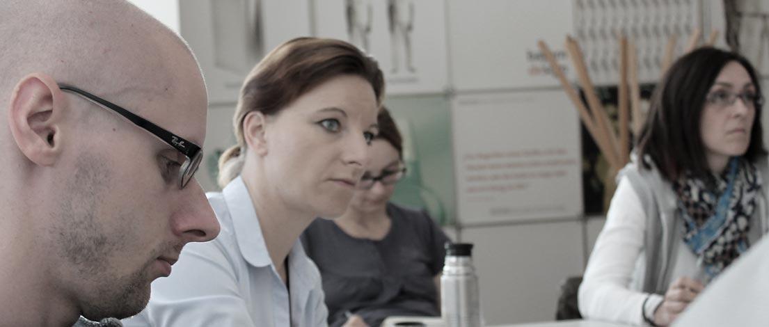 Johannes Heuckeroth (stilbezirk GmbH & Co. KG, Nürnberg), Barbara König (ZUP! Beratung, Marketing, Kommunikation GmbH, Augsburg) und Susanne Stein (Instant Elephant UG, Fürth).