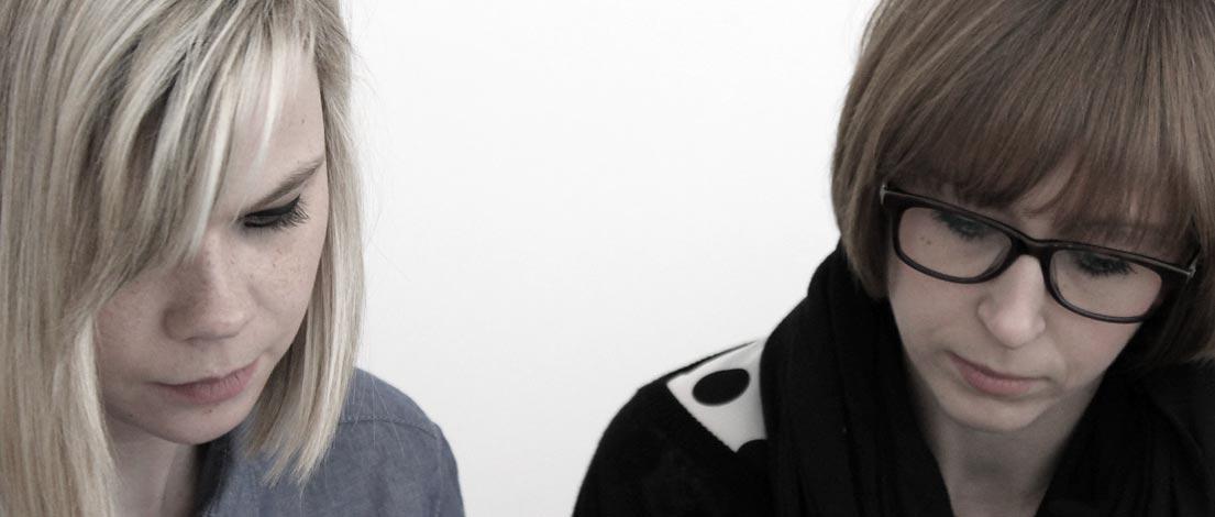 Julia Benkert (GMK GmbH & Co. KG, Bayreuth) und Manuela Walter (GMK GmbH & Co. KG, Bayreuth).