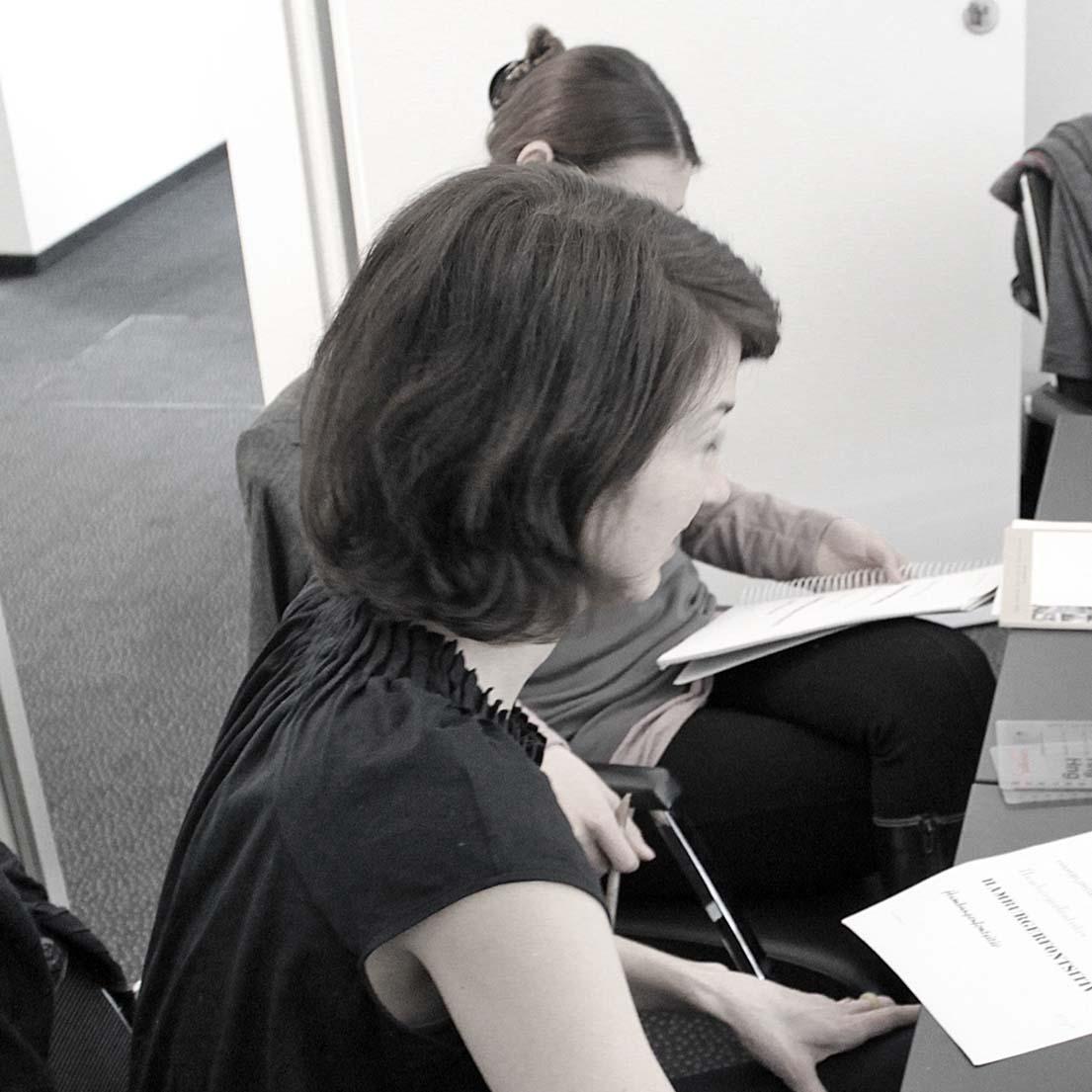 Katrin Schlüsener (Katrin Schlüsener Grafikdesign, Stuttgart). Typoakademie, Seminar »Typografie im Grafik- und Kommunikationsdesign« in Stuttgart, Schlossplatz, 15. April 2013.