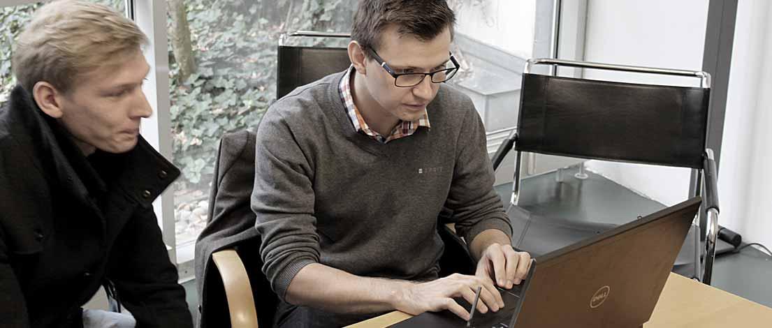 Sebastian Fröhlich (explain it GmbH, München) und Philipp Lugert (impuls Informationsmanagement GmbH, Nürnberg). Typoakademie, Seminar »Typographie im Grafik- und Kommunikationsdesign« am 13. November 2015 bei Bayern Design, München. Foto: Wolfgang Beinert, Berlin.